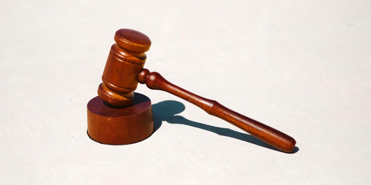 Έως 2.000 ευρώ επιδότηση για τους δικηγόρους